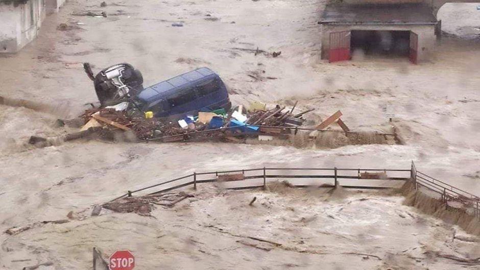 Sintflutartige Regenfälle überspülten die Straßen in der italienischen Provinz Alessandria.