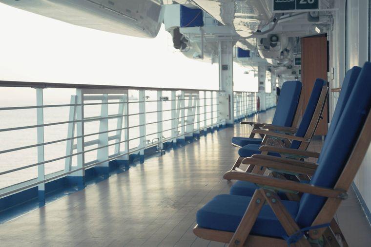 Deck auf dem Kreuzfahrtschiff.