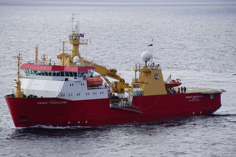 Die Shackleton, der Eisbrecher wird das Kreuzfahrtschiff durch die Arktis eskortieren.