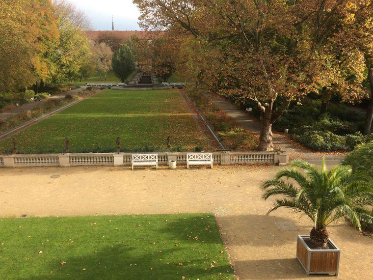 Der Körnerpark ist nach Franz Körner benannt, der seine Kiesgrube in einen Garten umwandelte und später der Stadt Rixdorf schenkte.