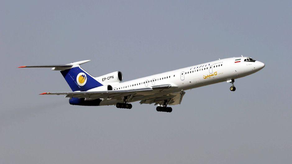 Flugzeug von Caspian Airlines in der Luft.