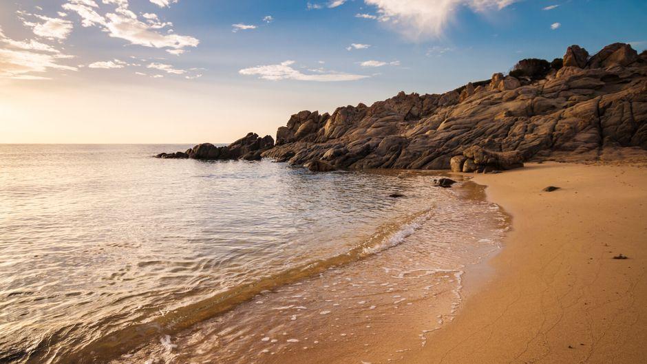 Am Strand von Chia auf Sardinien.