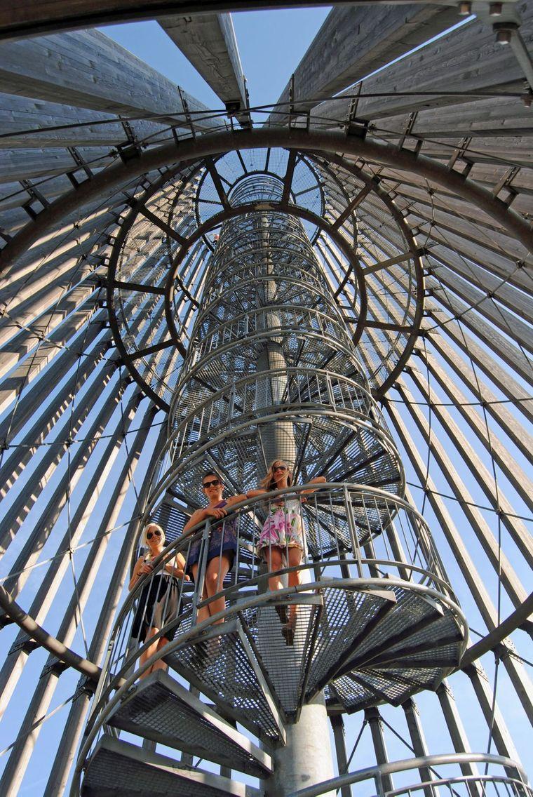 Instagramable: Schon auf dem Weg nach oben ist der Turm an der Bistumshöhe ein Hingucker.