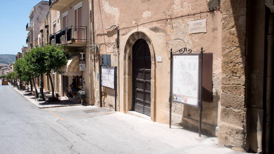 Mit dem Verkauf von Ein-Euro-Häusern wurde Sambuca berühmt. Jetzt bietet die Gemeinde Zwei-Euro-Häuser an.