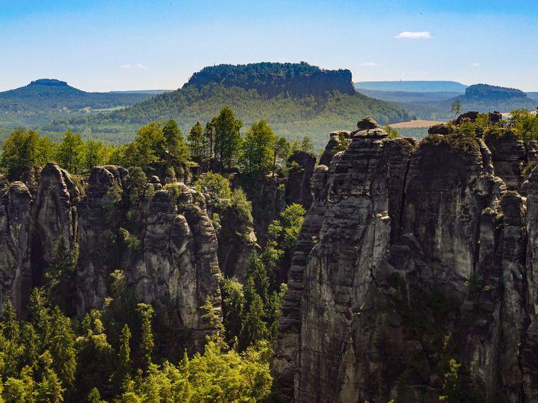 Nächster Stopp: das Elbsandsteingebirge.