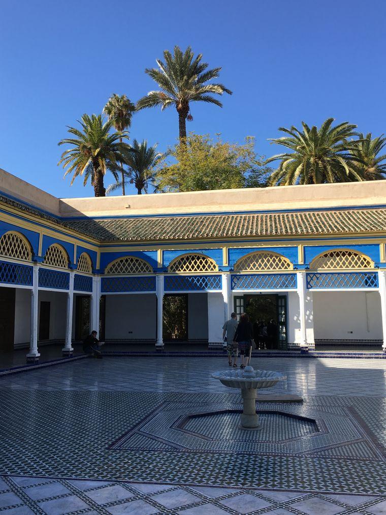Die Innenhöfe des Bahia-Palasts in der Altstadt von Marrakesch sind besondere Blickfänge.