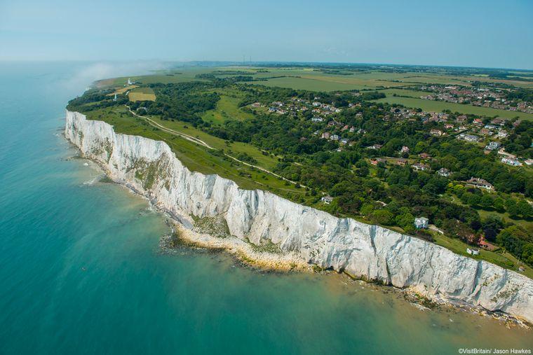 Der Fährhafen von Dover mit seinen berühmten weißen Klippen ist eine wichtige Lebensader Großbritanniens. Wie der Verkehr vom Brexit beeinträchtigt wird, steht noch nicht fest.