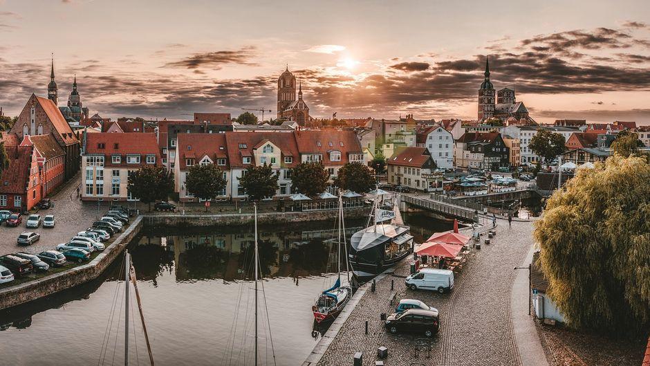 Entdecke die charmante Hansestadt: Stralsund wird dich verzaubern.