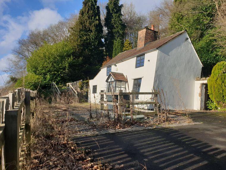 Häuschen in Shropshire sind bekannt als schiefste und wackeligste in UK.