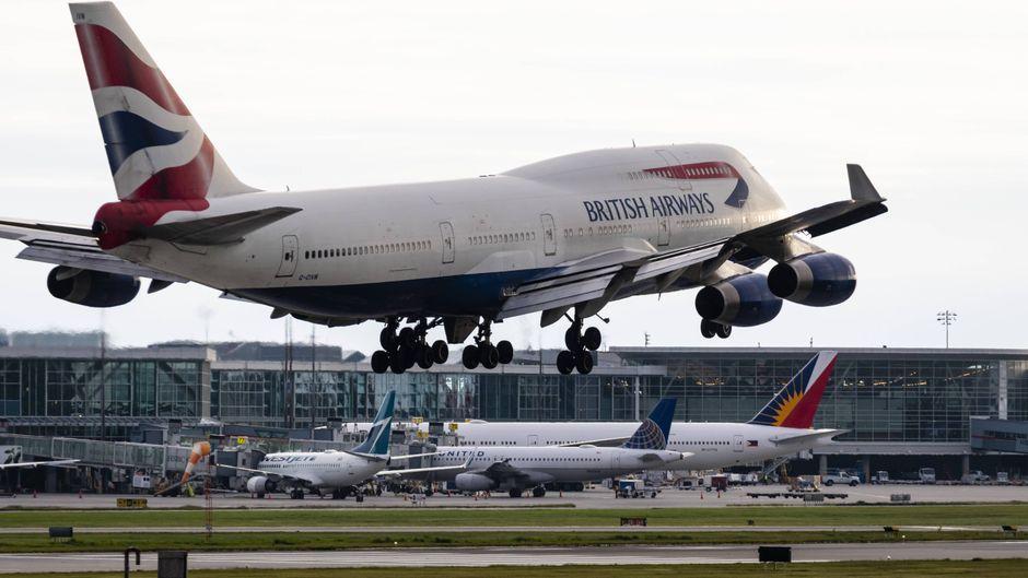 Ein British-Airways-Flieger hebt ab.