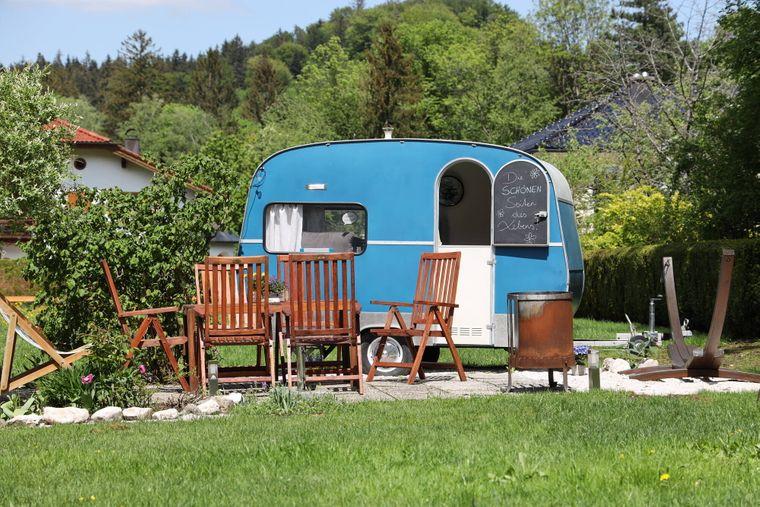 Mit Gartenmöbeln und Deko einrichten ist nicht überall erlaubt.