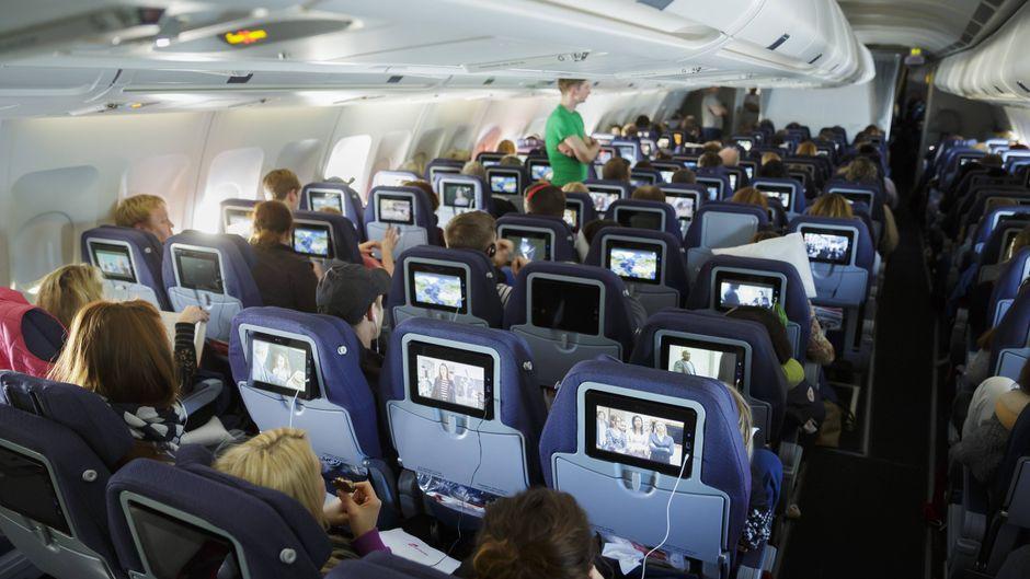 Die Sitze hinten im Flugzeug bieten bei einem Absturz die größte Überlebenschance.