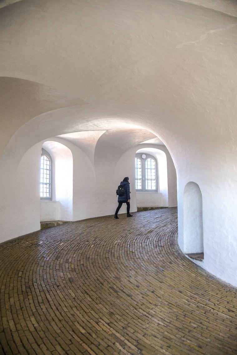 Nach dem Aufstieg im Rundetaarn in Kopenhagen hast du einen tollen Ausblick über die Stadt.