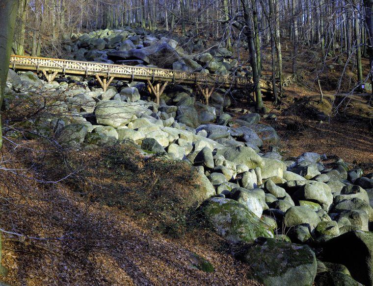 Tatsächlich ist das Felsenmeer aber durch Verwitterung entstanden.