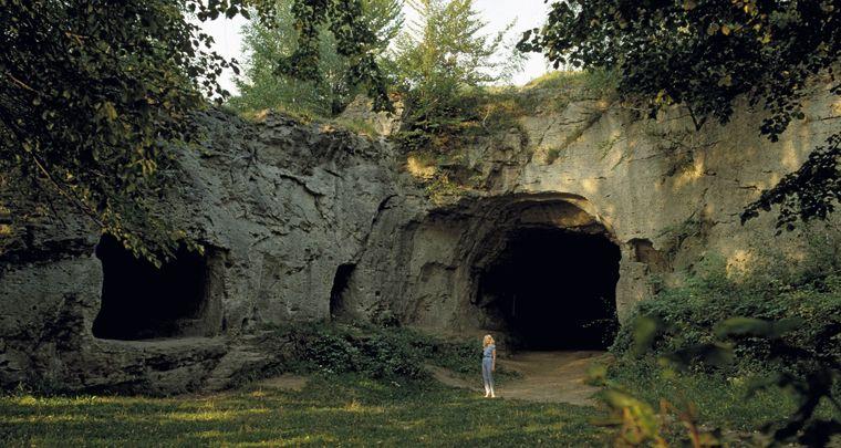 Bei der Steinkirche Scharzfeld handelt es sich um eine Felsenhöhle aus der Steinzeit. (Archivfoto)