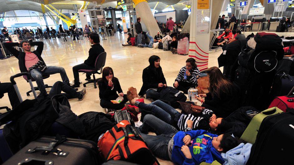 Warten, warten, warten. Bei Flugausfällen gibt's für den entstandenen Ärger oft Geld nach der EU-Fluggastrechteverordnung. (Symbolfoto)