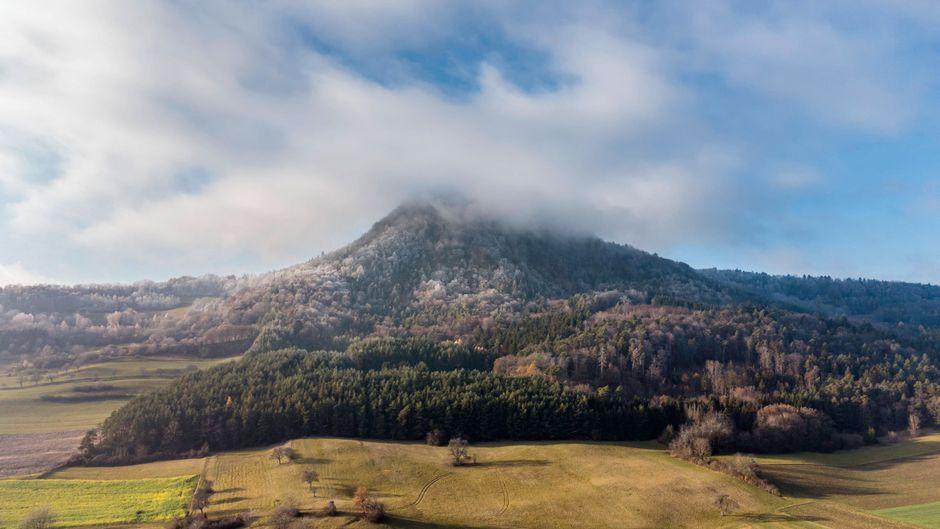 In Helgau nordwestlich des Bodensees gibt es rund ein Dutzend erloschene Vulkane.
