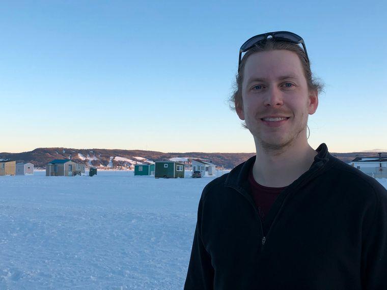 Marc-André Galbrand arbeitet für Contact Nature und organisiert und begleitet Winteraktivitäten am Saguenay-Fjord.