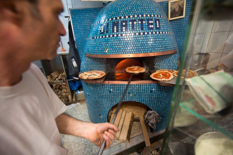 Di Matteo zählt zu den ältesten und besten Pizzerien in Neapel.