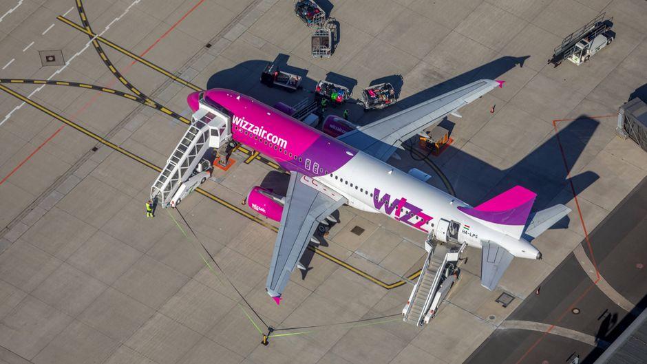 Nicht nur bei Ryanair, auch bei Wizz Air sind die Zeiten des kostenlosen Handgepäcks vorbei. (Symbolfoto)