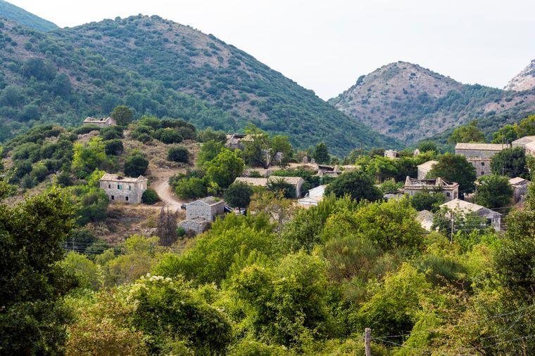 Das in den 1960er-Jahren verlassene Dorf Old Perithia auf Korfu.
