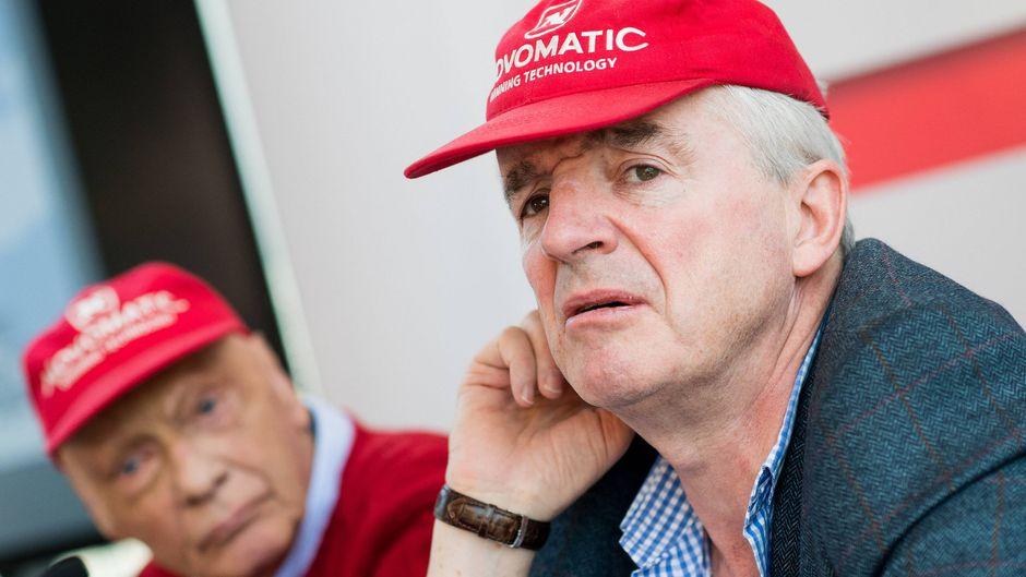 Niki Lauda und Michael O'Leary bei einer gemeinsamen Pressekonferenz in Wien im März 2018.