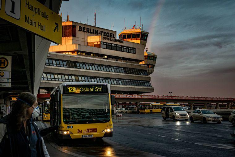 """Der internationale Flughafen Berlin-Tegel """"Otto Lilienthal"""" war noch bis zum 8. November 2020 in Betrieb. Ab Februar gibt es hier Corona-Impfungen anstatt den nächsten Flieger."""