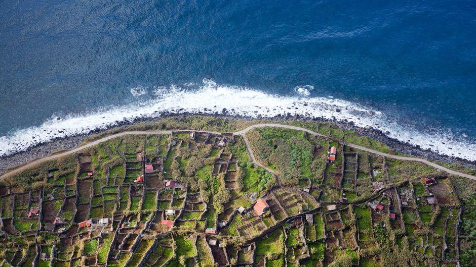 Das verlassene Dorf Achadas da Cruz zeigt das Madeira der Vergangenheit.