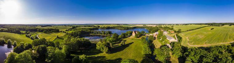 Mecklenburg-Vorpommern ist nicht nur für die Ostsee, sondern auch für die Seen bekannt.
