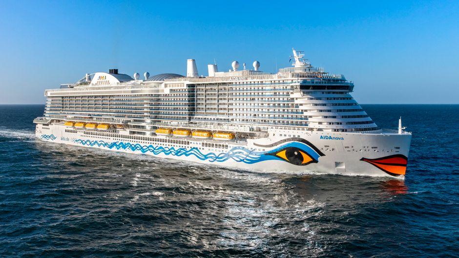 """Die """"Aida Nova"""" ist das """"grüne Flaggschiff"""" der Reederei. Ab 2021 soll sie noch emissionsärmer in See stechen."""