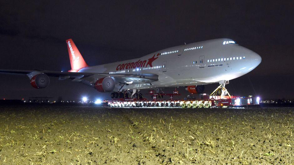 Die Boeing 747 wird die neue Attraktion eines Hotels.