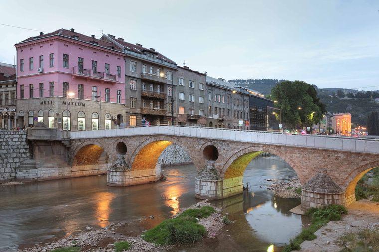 Die Latin Bridge in Sarajevo in Bosnien.