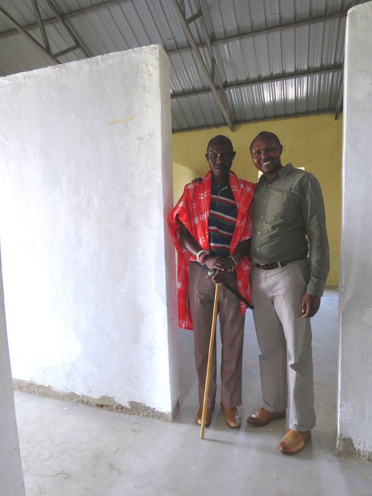 Simon Saitoti leitet den kenianischen Ableger der Africa Foundation. Sein Vater William Ole Saitoti kommt immer mal vorbei, um nach dem Rechten zu sehen.