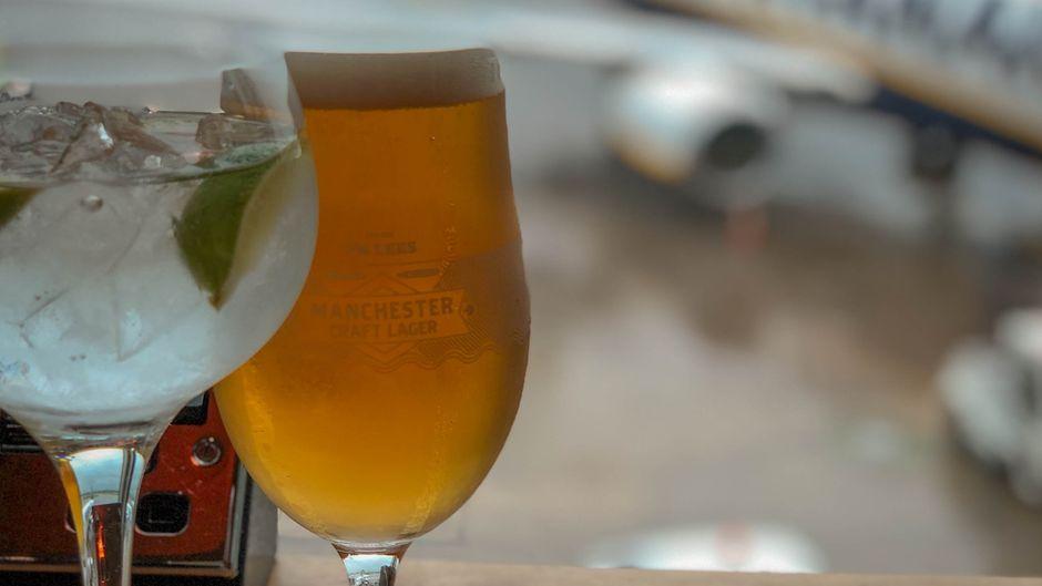 Bier am Flughafen.