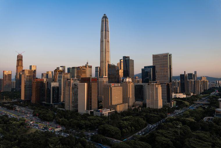 """Das Ping An Finance Center ist nach einer chinesischen Versicherungsgesellschaft benannt. Im Chinesischen bedeutet das Wort """"ping an"""" wörtlich übersetzt """"sicher und gut""""."""