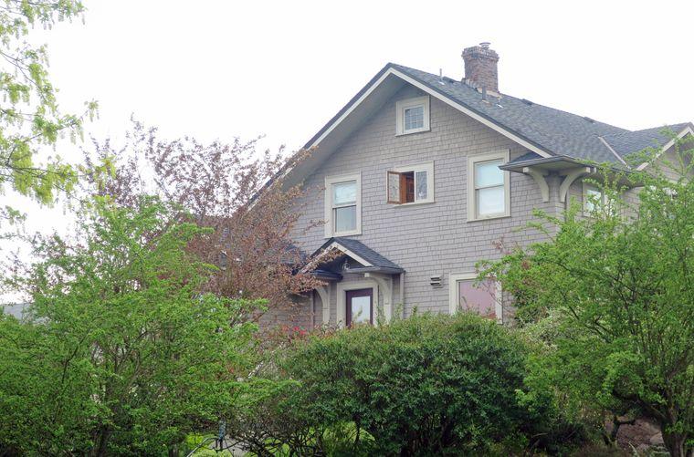 Im malerischen Viertel Lower Queen Anne Viertel liegt das ruhige Heim von Meredith Grey.