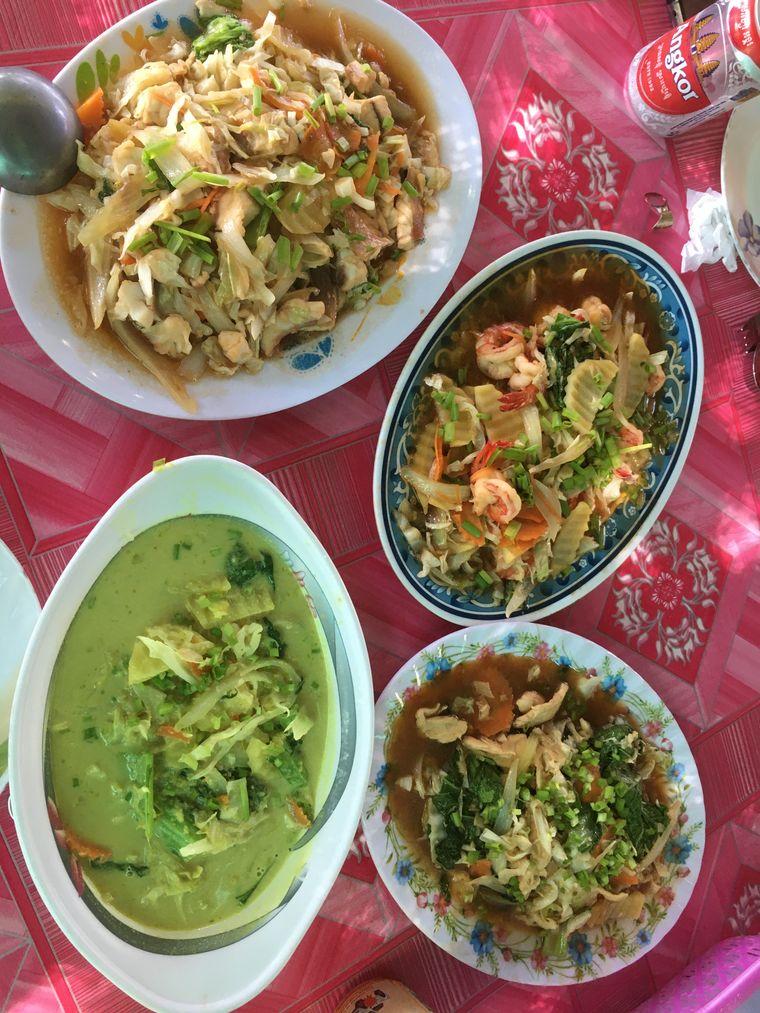 Vielfalt auf dem Tisch: Kambodschas Küche setzt auf frische Zutaten, kommt dabei aber ohne scharfe Gewürze aus.