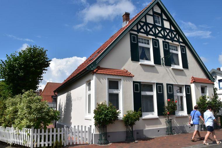 Viele Häuser in der Büsumer Fischersiedlung werden heute als Feriendomizile an Urlauber vermietet.