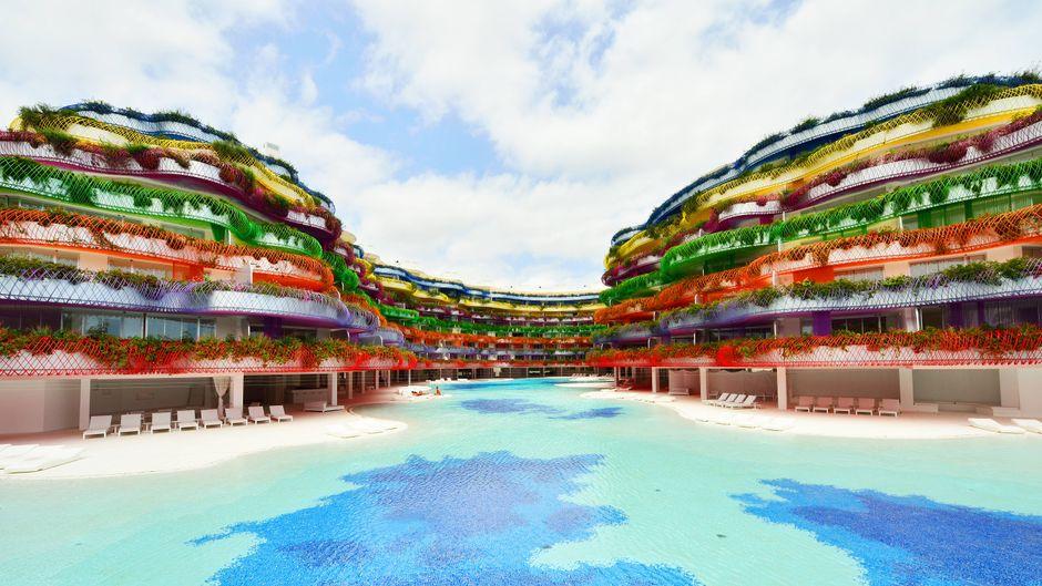 Das Las Boas am Hafen von Ibiza gibt es wirklich – ein stylisher Hotelkomplex mit luxuriösen Suiten zum Mieten und Kaufen.
