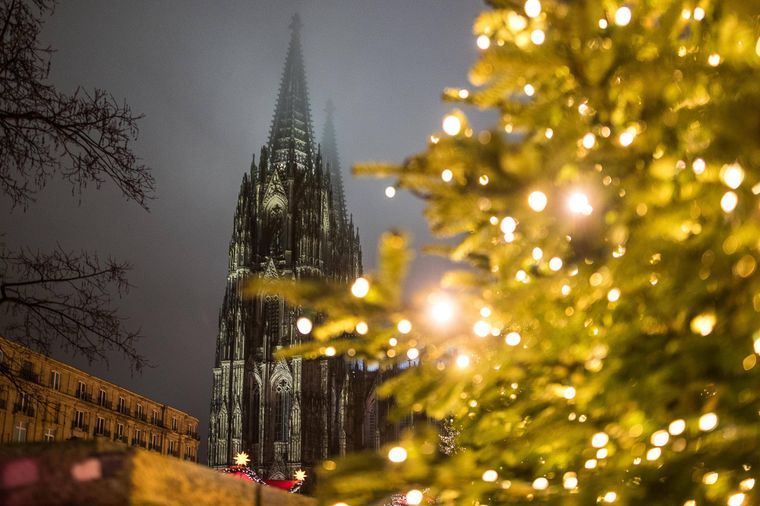 Heiligabend im Kölner Dom verbringen? Kein Problem, die Christmette wird live gestreamt.