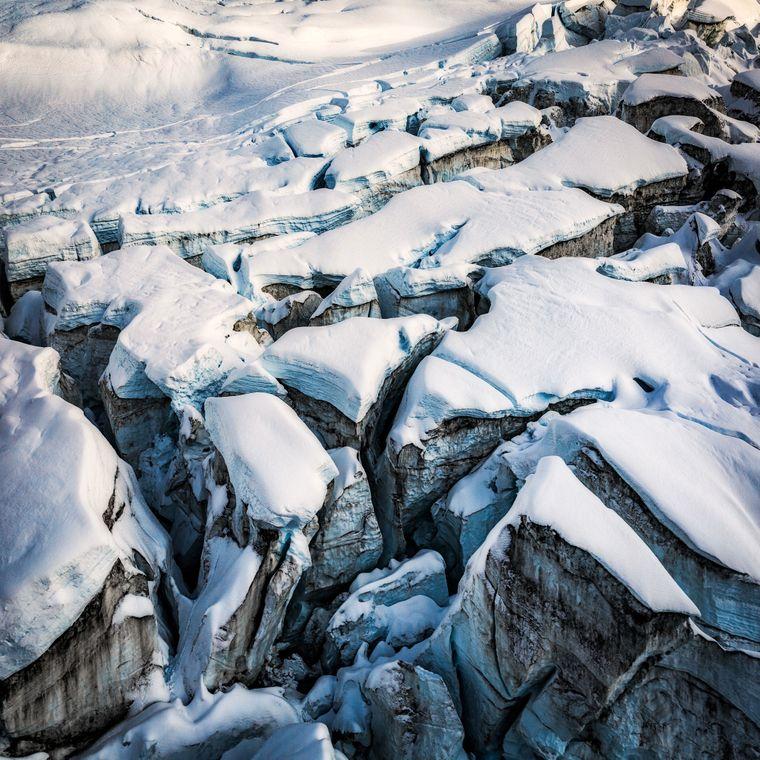 Schneelandschaft im Fjordland Nationalpark in Neuseeland.