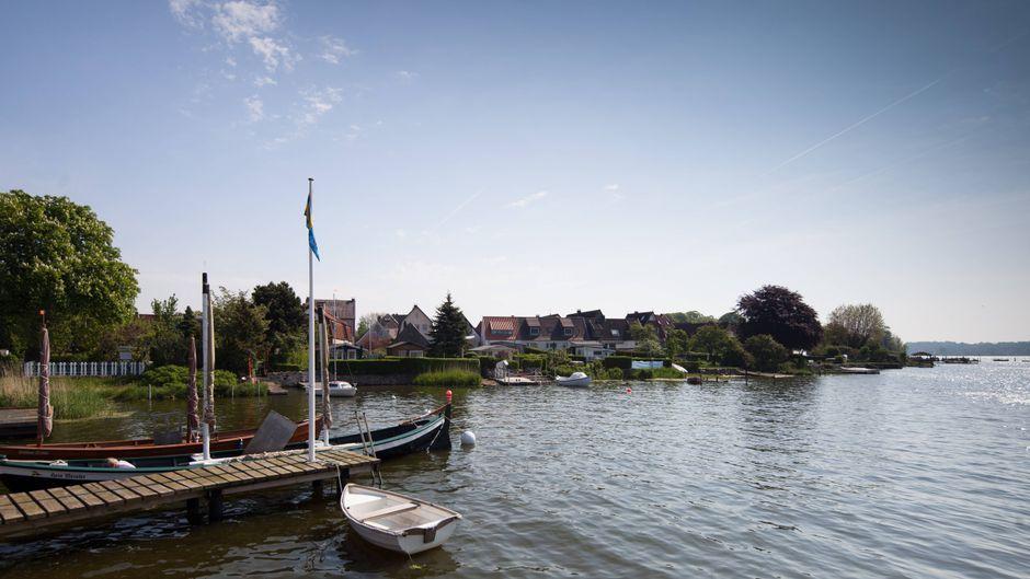 Schleswig, eine Stadt, in der sich das Leben am und im Wasser abspielt.