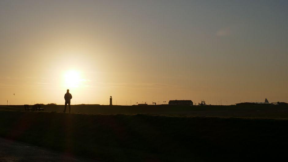 So sieht der Sonnenaufgang am Juister Deich aus. Brauchst du etwa noch mehr gute Gründe für einen Urlaub auf der Insel? Dann lies unbedingt weiter!