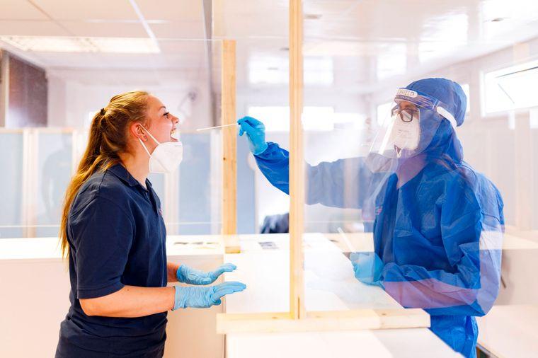 Geimpfte und Genesene sind in Deutschland in der Regel von der Testpflicht befreit.