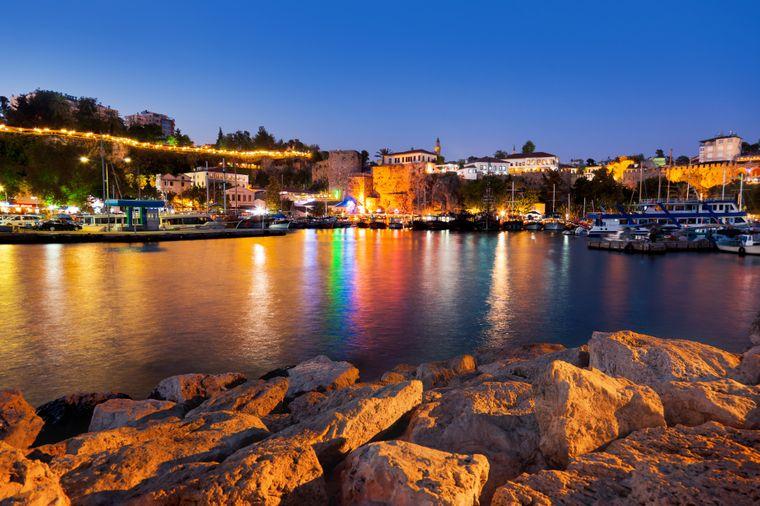 Antalyas Altstadt Kaleici ist auch bei einem Side-Urlaub einen Ausflug wert.