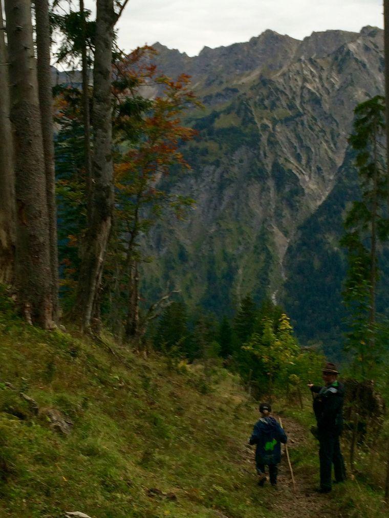 Wanderer im Zipfelwand in Oberjoch.