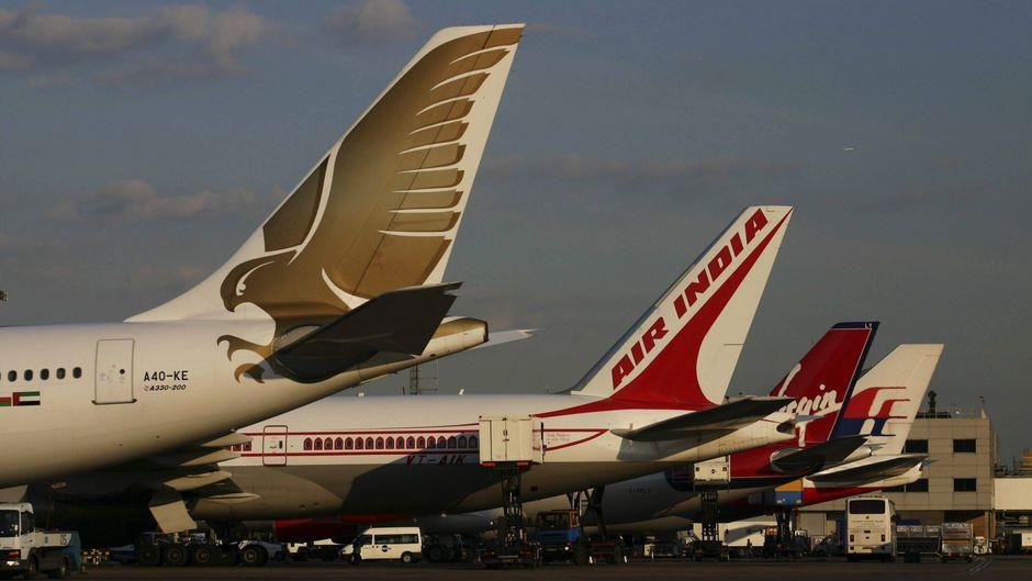 Eine Air-India-Maschine auf dem Flughafen.