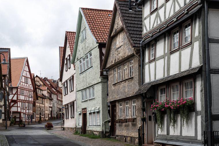 Gasse in der historischen Altstadt von Alsfeld.