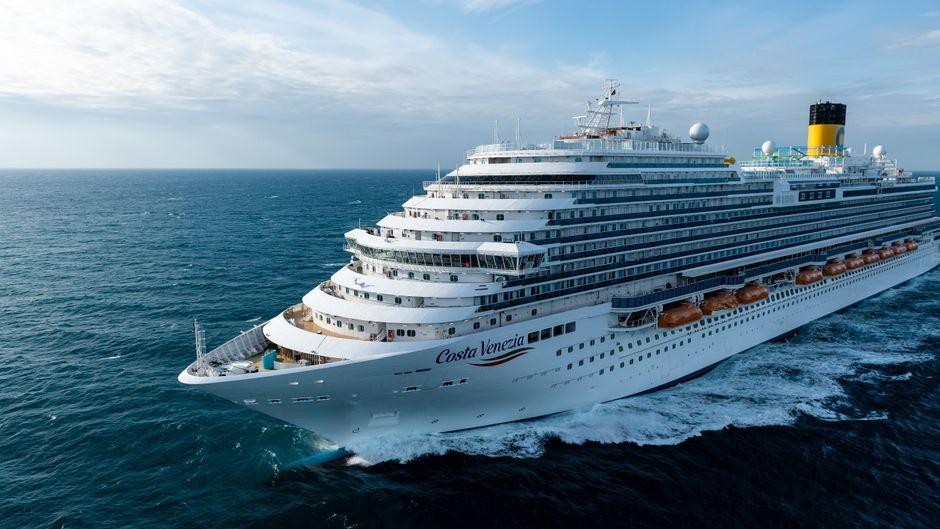 "Das neue Kreuzfahrtschiff ""Costa Venezia"" von Costa Cruises."