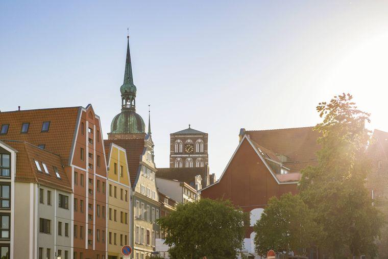 Die Altstadt Stralsunds überzeugt mit einer Menge Kultur und historischen Gebäuden.